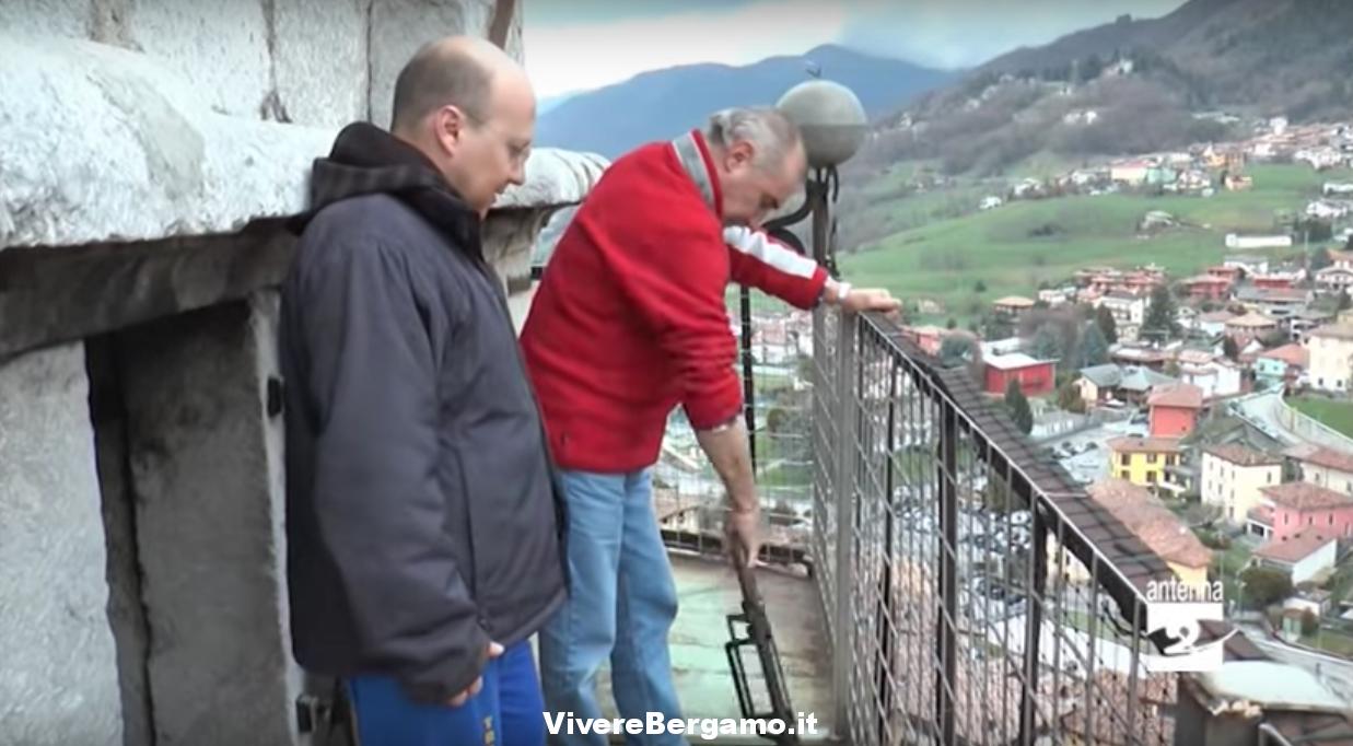 """Video sul campanile con la tola """"Triduo Pasquale"""" a Gandino"""